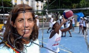 Jackie Silva é um exemplo para as mulheres que batalham no esporte - Fábio Guimarães /Extra
